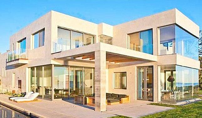 Beckham's $60k a month home in Malibu, California.