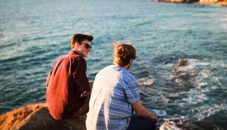 mental health sufferer talking to friend